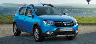 Blå Dacia Sandero Stepway
